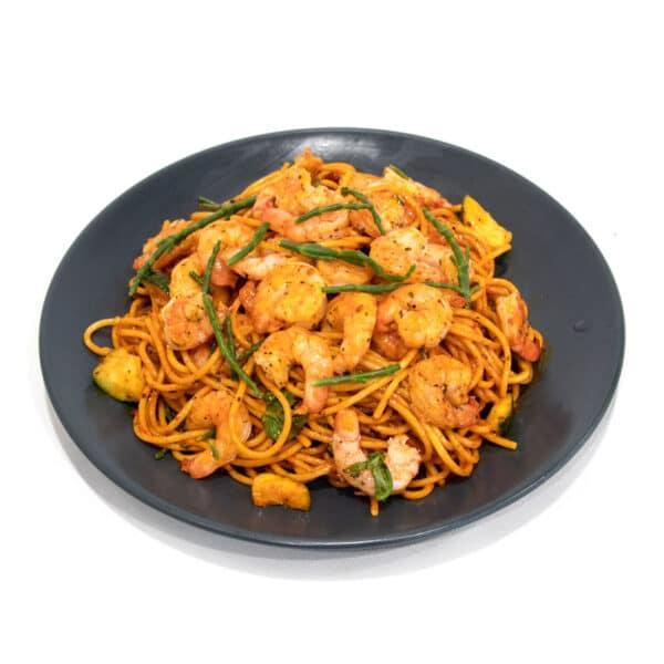 Spaghetti rode pesto met gamba's